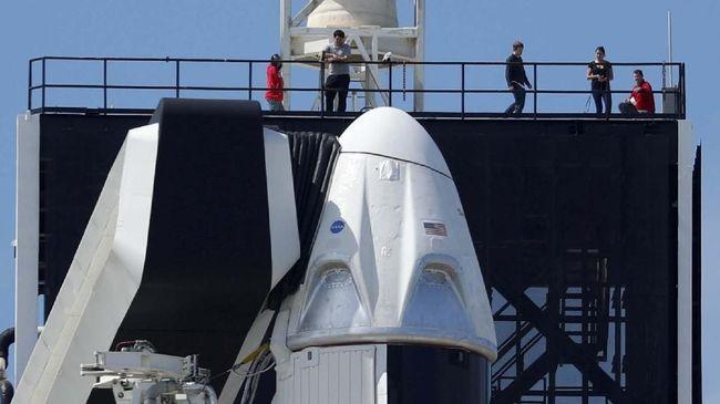 SpaceX sedang membangun starship baru di Florida. Rencananya starship ini akan membawa manusia ke bulan.