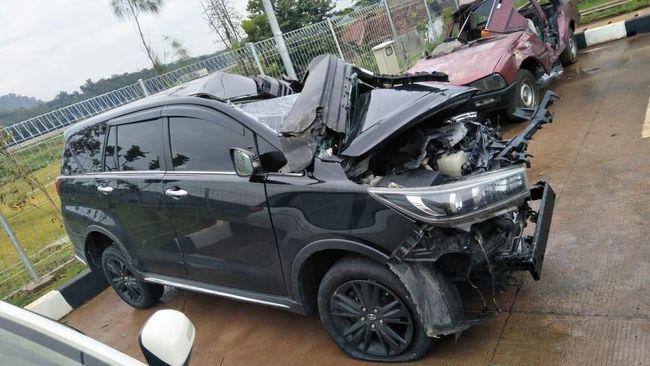 Mobil butuh fitur-fitur keselamatan setelah banyaknya kecelakaan mobil di Indonesia, terakhir insiden yang menimpa mobil Bupati Demak, Demak M Natsir.