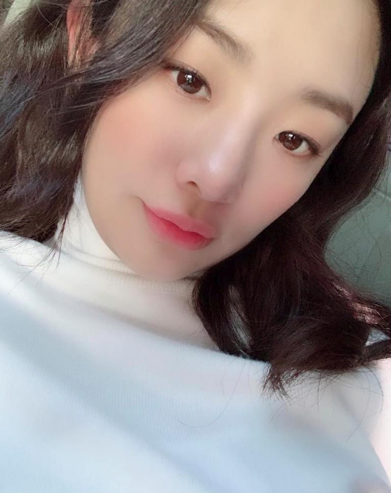 Stephanie Lee memiliki nama asli Stephanie Jeongah Lee. Memiliki darah Amerika, Lee lahir di Michigan, 14 September 1993.