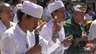 VIDEO: Umat Hindu di Gorontalo Lakukan Upacara Melasti