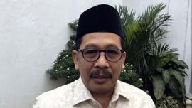 Berkemeja Putih, Politikus PPP Zainut Tauhid Tiba di Istana