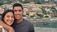 <p>Dian dan Indra merupakan salah satu pasangan yang senang liburan ke beberapa negara. Kali ini, mereka sedang mengunjungi Italia, Bun. (Foto: Instagram @therealdisastr)</p>
