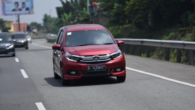 Honda memilih Brio sebagai prioritas produksi ketimbang Mobilio saat produksi bermasalah kelangkaan chip semikonduktor.
