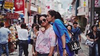 <p>Demi menjadi manajer bagi Mikha Tambayong, sang ibunda rela berhenti kerja. (Foto: Instagram/miktambayong)</p>