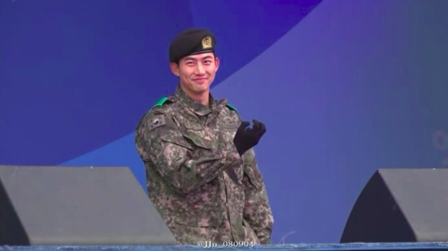 Keren! Kim Soo Hyun dan Taecyeon Dipromosikan Jadi Sersan