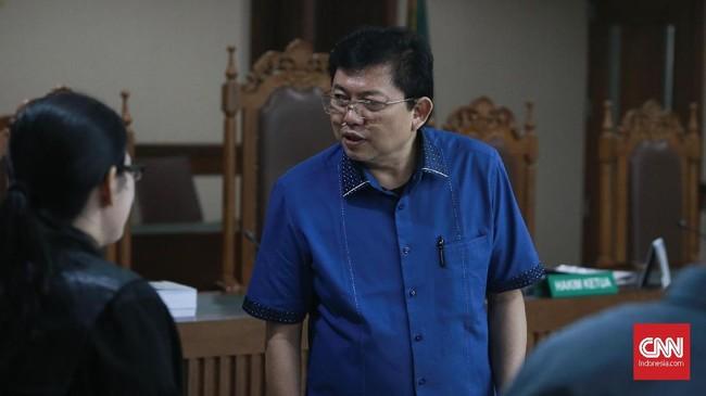 KPK Cegah Pengacara Lucas ke Luar Negeri Terkait Nurhadi