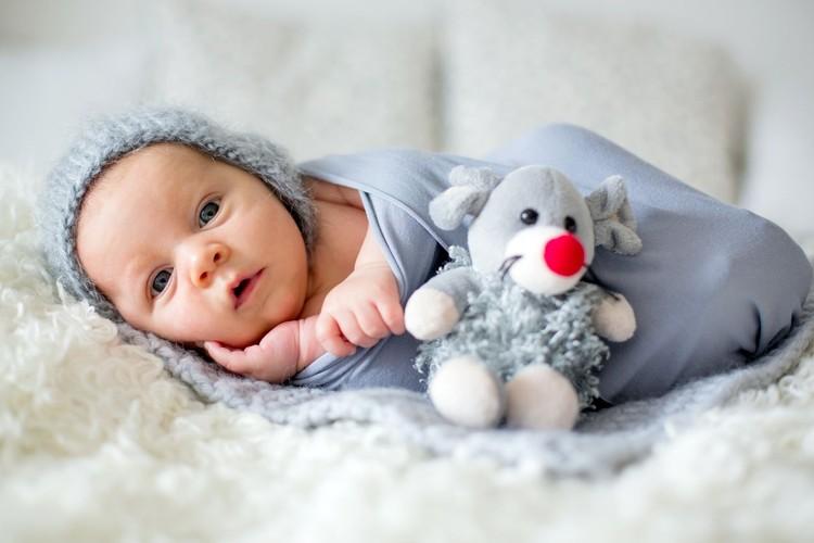 Referensi nama bayi laki-laki berawalan E, dengan berbagai makna, menarik disimak nih, Bun.
