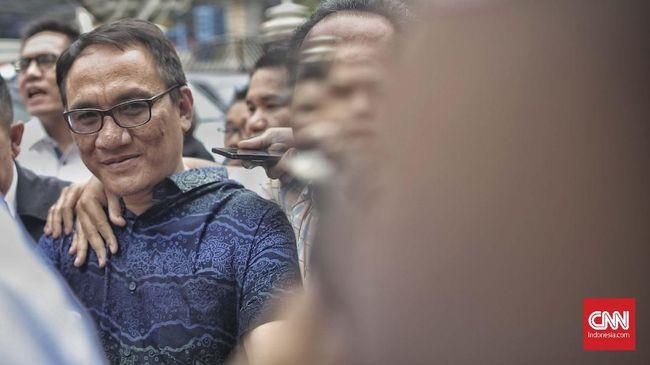 Para politikus senior Partai Demokrat mengungkapkan sejumlah pernyataan Andi Arief justru merugikan mereka.