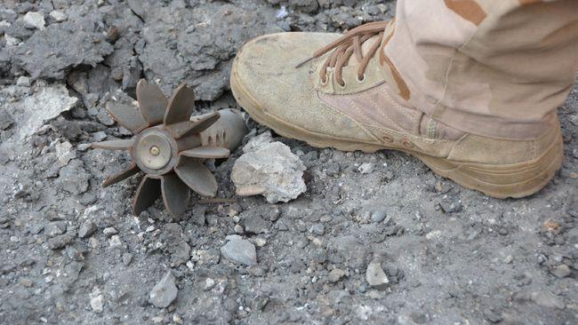 Sebuah bom peninggalan Perang Dunia II ditemukan di pusat kota London, Inggris pada Senin (3/2) siang waktu setempat.
