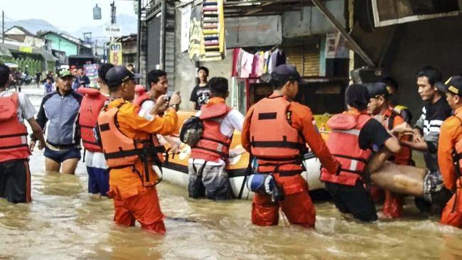 BPBD Kabupaten Bandung mencatat sedikitnya 5.142 kepala keluarga (KK) terdampak banjir menyusul tingginya curah hujan sejak Kamis (23/1).
