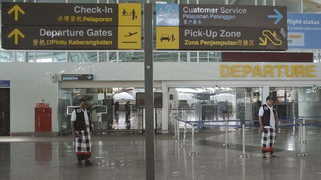 Arus penumpang pesawat di Bandara I Gusti Ngurah Rai Bali meningkat setelah penurunan tarif tes PCR dan antigen.