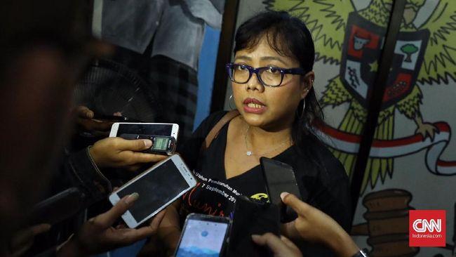 Jokowi telah meneken Omnibus Law UU Cipta Kerja. Namun terdapat kejanggalan salah satu pasal yang dinilai bisa menggugurkan UU Ciptaker.