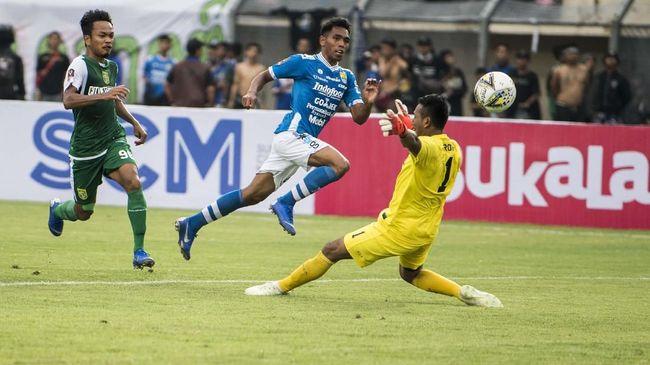 Pelatih Persib Bandung, Robert Rene Alberts didukung catatan apik saat bertemu Aji Santoso di perempat final Piala Menpora 2021