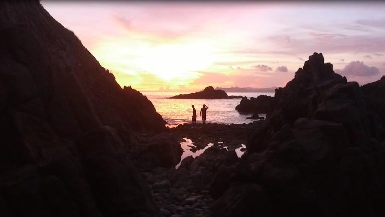 Lokasi tercantik di MTMA The Movie adalah Pantai Semeti yang dihiasi gugusan bukit dan sunset yang menenangkan. Para host pada episode ini siap membawa kita kembali bernostalgia.