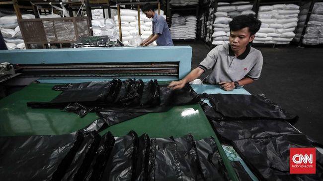 Kementerian Keuangan mempertimbangkan insentif khusus bagi industri plastik sebagai kompensasi setelah ada pengenaan cukai terhadap kantong plastik Rp200.