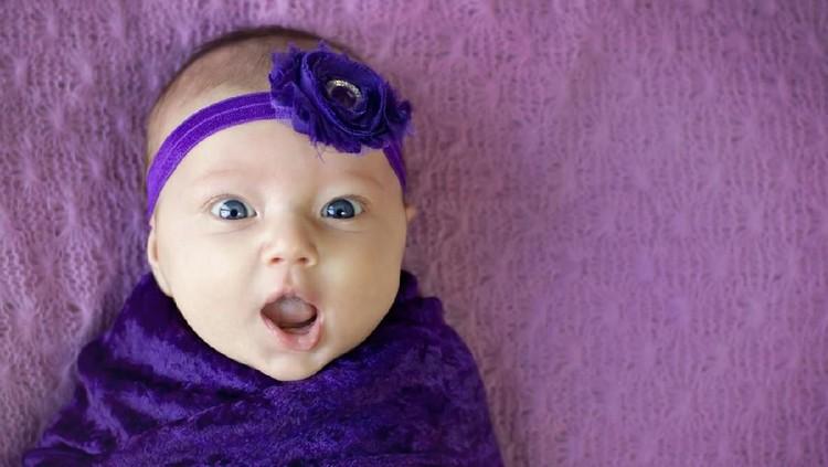 Berharap si kecil tumbuh cerdas, deretan nama bayi perempuan Islami berikut ini bisa jadi inspirasi.