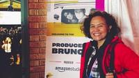 <p>Bunda sudah enggak asing kan mendengar nama Mira Lesmana? Direktur, produser, dan penulis lagu ini dikenal lewat karya film yang sukses diproduserinya seperti film anak 'Petualangan Sherina', 'Laskar Pelangi' dan film remaja yang tak bosan ditonton 'Ada Apa dengan Cinta'. Penghargaan atas karyanya pun tak terhitung, Bun. (Foto: Instagram @mirles)</p>