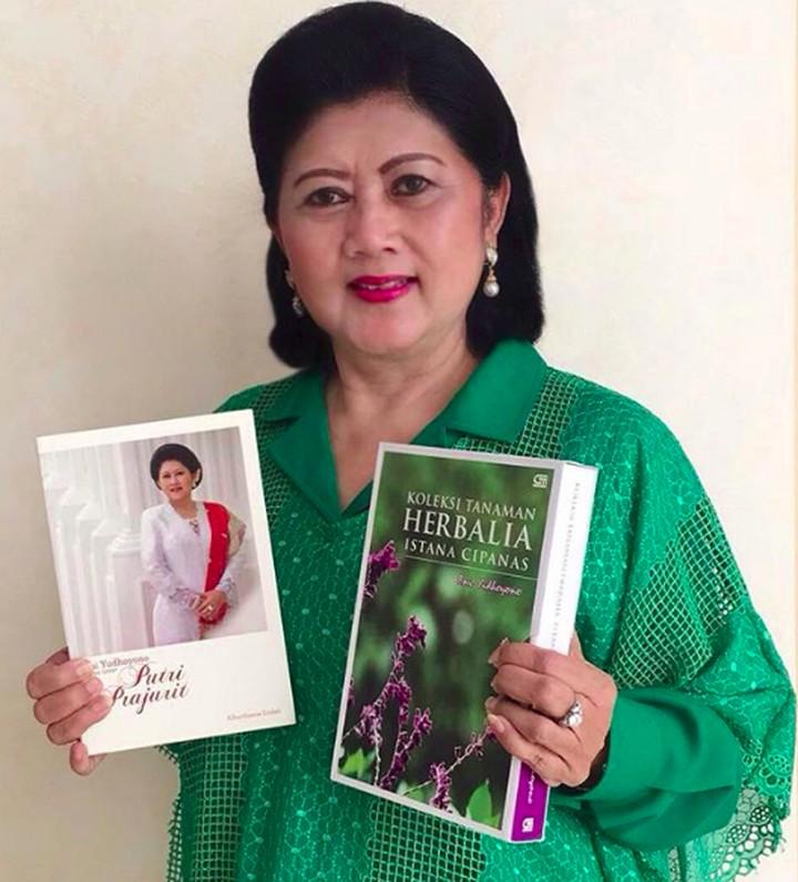 Setiap wanita pasti menjadi sosok inspirasi bagi orang-orang terdekatnya. Tak terkecuali, 6 wanita berikut yang punya pengaruh positif besar bagi Indonesia.