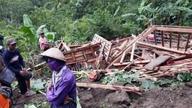 Empat Kecamatan di Gunung Kidul Diterjang Longsor