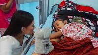 <p>Frederika Alexis Cull, perwakilan dari DKI Jakarta dinobatkan sebagai Putri Indonesia 2019. Siapa sangka, Frederika adalah sosok wanita yang dekat dengan anak-anak. (Foto: Instagram/ @fredericacull)</p>