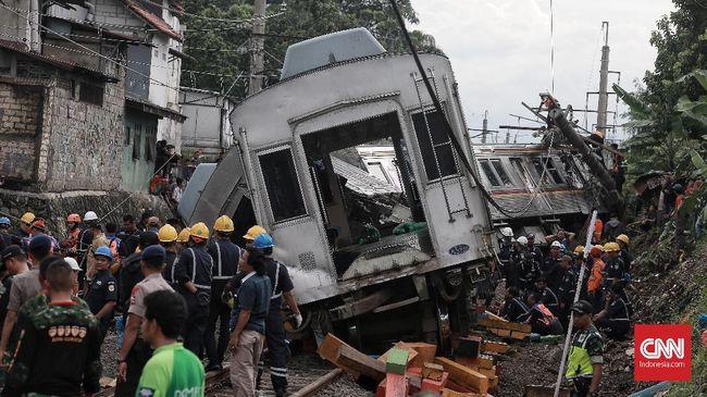 Para korban luka KRL anjlok tersebar di sejumlah rumah sakit, mulai dari RS Salak, RS PMI, RS Siloam, dan RS Hermina Bogor.
