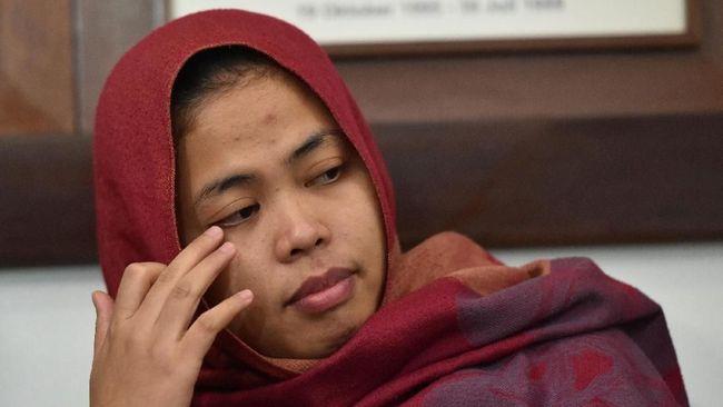 Menlu Retno Marsudi menyerahkan Siti Aisyah kepada keluarga setelah dibebaskan Pengadilan Tinggi Shah Alam, Malaysia dalam kasus pembunuhan Kim Jong-nam.
