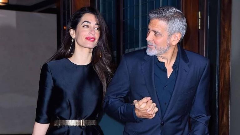 2014 lalu, George Clooney dan Amal Clooney meresmikan hubungannya dalam ikatan janji suci. Pasangan itu memiliki jarak usia hingga 17 tahun.