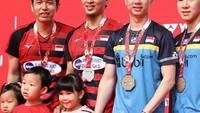 <p>Mohammad Ahsan beberapa kali mengajak anaknya hadir dalam pertandingan bulutangkis yang diikutinya, termasuk saat Indonesia Masters 2019. (Foto: Instagram @king.chayra)</p>