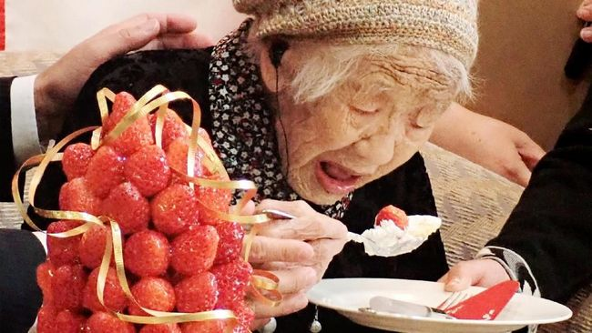 Manusia tertua di dunia asal Jepang, Kane Tanaka, batal ikut dalam pawai obor Olimpiade Tokyo 2021 karena khawatir terinfeksi virus corona.