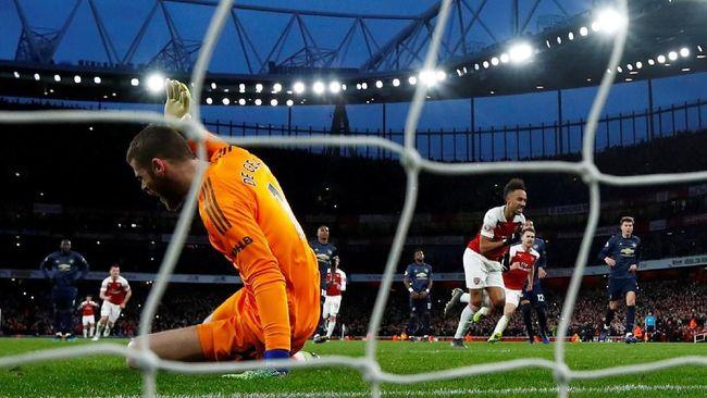 Meme lucu bertebaran di media sosial usai Manchester United menelan kekalahan 0-2 saat bertandang di markas Arsenal, Stadion Emirates.