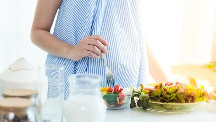 Ada beberapa kasus di mana sang ibu tak mampu mendeteksi ciri-ciri hamil dan baru mengetahui dirinya mengandung saat hendak melahirkan.