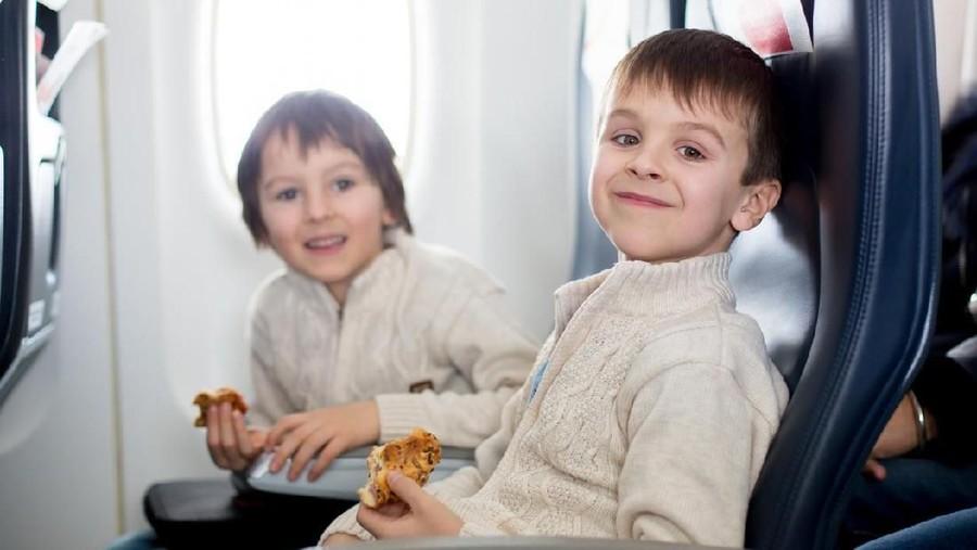 8 Ide Snack Sehat agar Si Kecil Anteng Selama Penerbangan