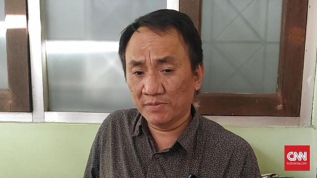 Wasekjen Demokrat, Andi Arief meminta Partai Gelora meniru PSI, membangun partai dengan mengajak orang baru, bukan malah membajak kader partai lain.