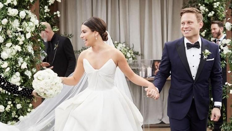 Lea Michele resmi menikah dengan Zandy Reich. Dari kisah Michele, ada pelajaran tentang move on yang bisa kita ambil, Bun