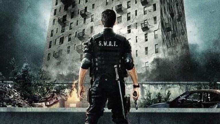 Pada 2011, The Raid: Redemption tayang di layar bioskop Amerika Seikat. Bahkan film yang dibintangi oleh Iko Uwais ini berhasil mendapatkan penghargaan internasional, Cadillac's People's Choice Awards dan Toronto Film Festival 2011.