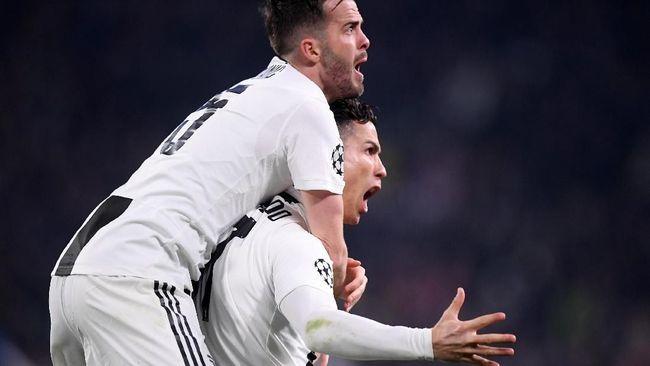 Gelandang Juventus Miralem Pjanic, disebut mantan pemain Alessio Tacchinardi, memiliki peran lebih penting dari Cristiano Ronaldo di tim Si Nyonya Tua.