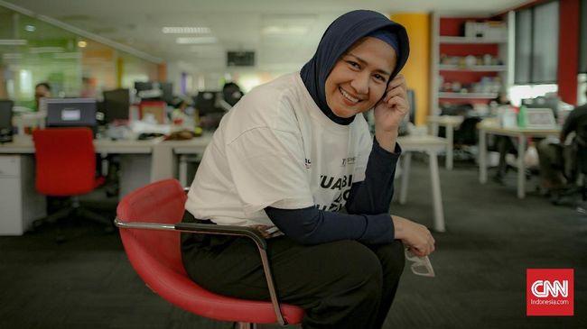 Ria Irawan dikabarkan meninggal dunia setelah berjuang melawan kanker yang ia derita sejak 2004.