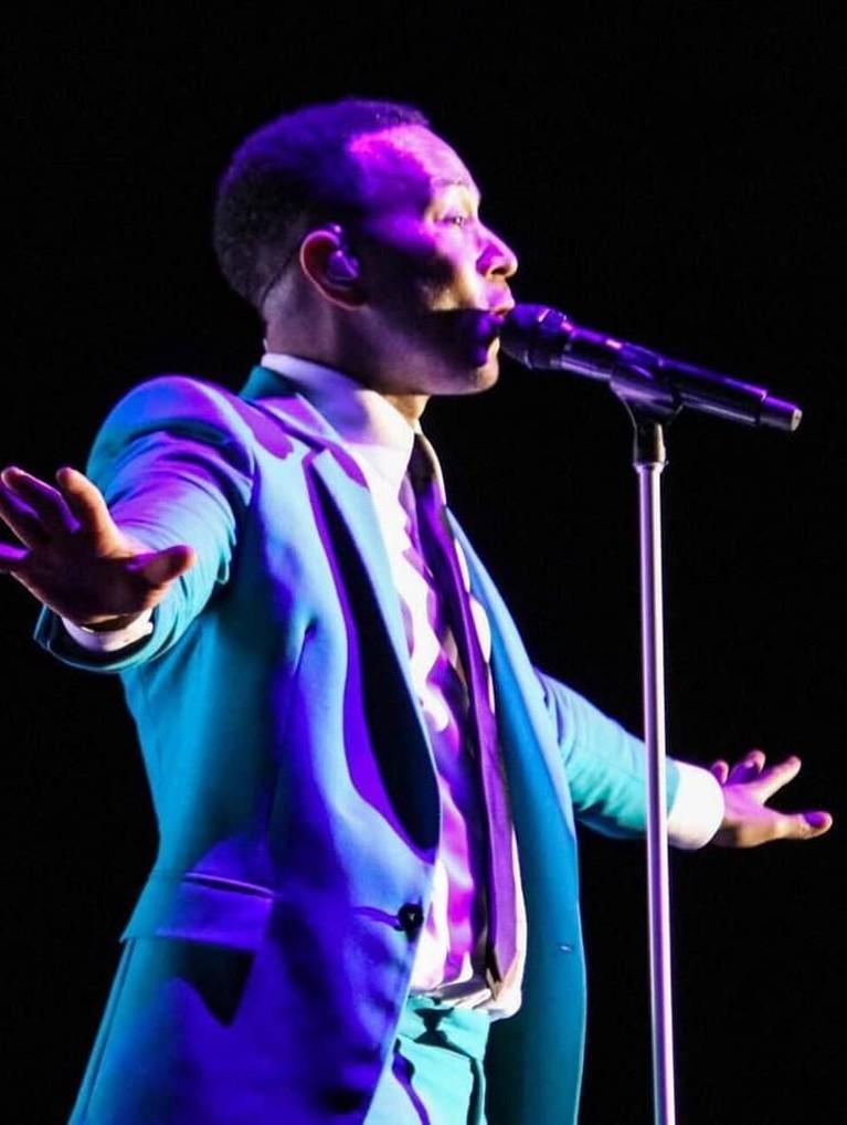 Penyanyi John Legend juga berhasil meraih empat perhargaan yang dikenal dengan singkatan EGOT itu.