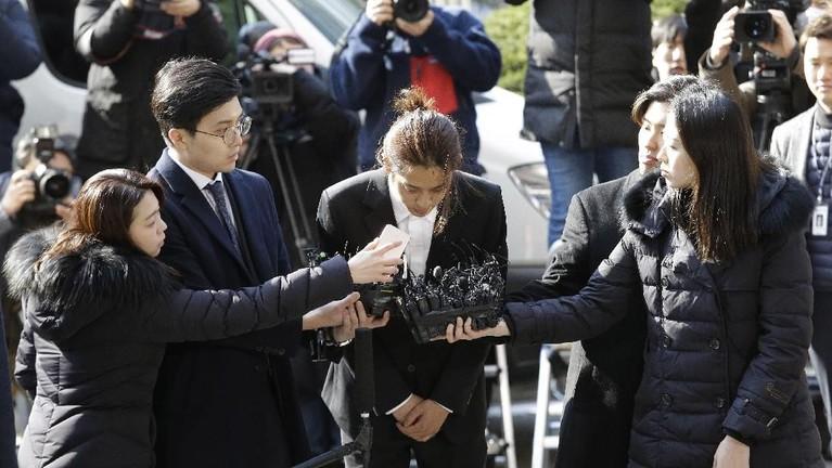 Jung Joon Young menyesal dan meminta maaf.