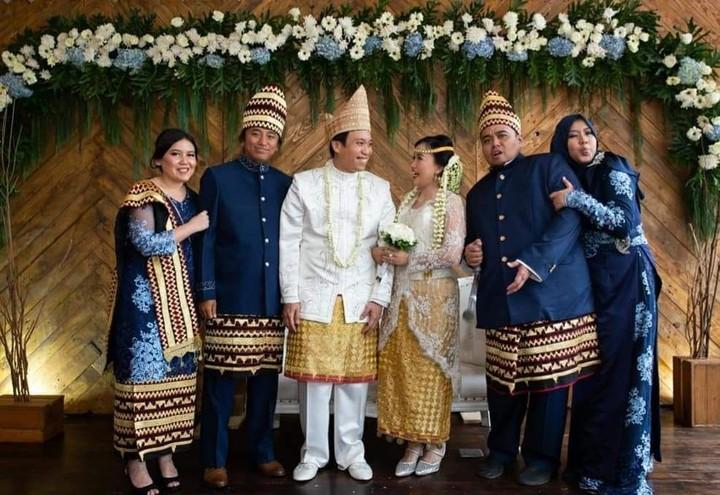 <p>Almarhum Dono Warkop memiliki tiga anak, yakni Andika Aria Sena, Damar Canggih Wicaksono dan Satrio Sarwo Trengginas. (Foto: Instagram @masari0)</p>