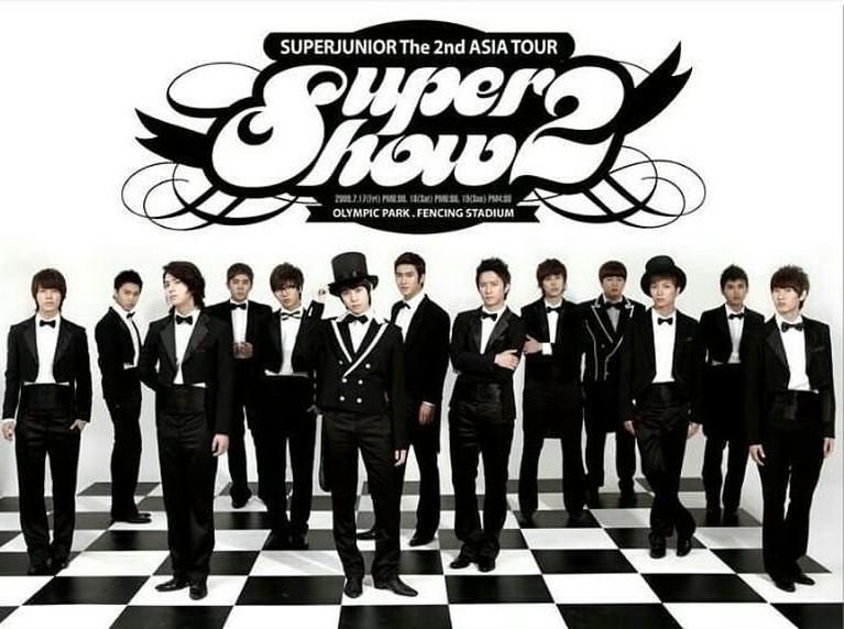 Super Show 2. Tak kalah dari konser sebelumnya, tiket penjualan di konser kedua ini habis terjual hanya dalam waktu kurang dari 10 menit. Insertizen pasti kebayangkan bagaimana antusias ELF saat itu.