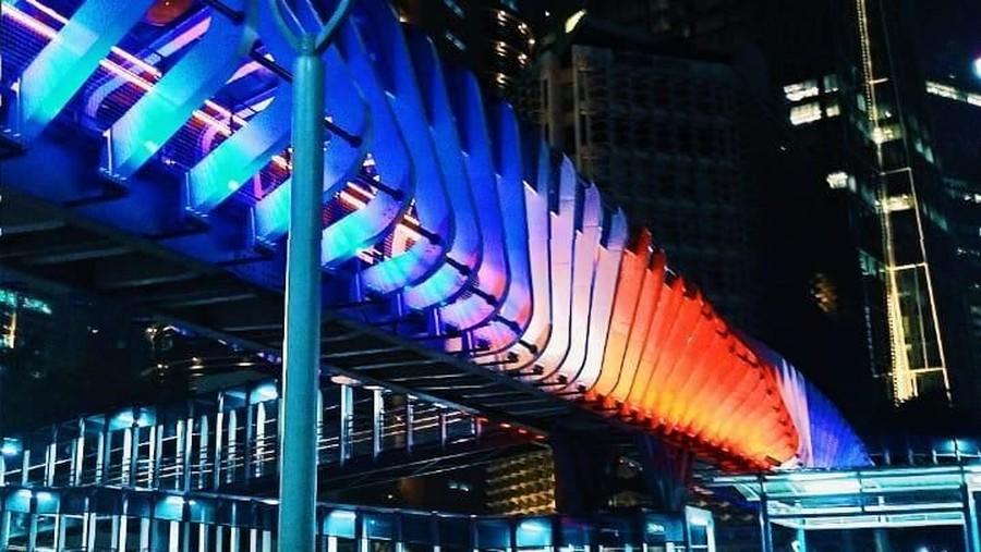 Tunjukan Solidaritas, JPO GBK Tayangkan Bendera Selandia Baru