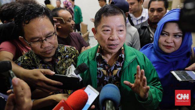 Plt Ketum PPP Suharso mengatakan dari hasil pertemuannya dengan Humphrey telah disepakati untuk bicara dalam sekat-sekat, kecuali sebagai sesama kader PPP.