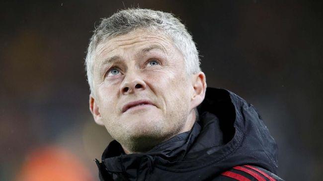 Manchester United akan membayar sekitar £500 ribu atau setara dengan Rp9,3 miliar kepada klub Norwegia, Molde, usai mengontrak Ole Gunnar Solskjaer.