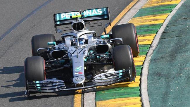 Pebalap Mercedez Valtteri Bottas berhak menduduki pole F1 GP Spanyol 2019 setelah mengalahkan Lewis Hamilton pada babak kualifikasi di Sirkuit Catalunya.