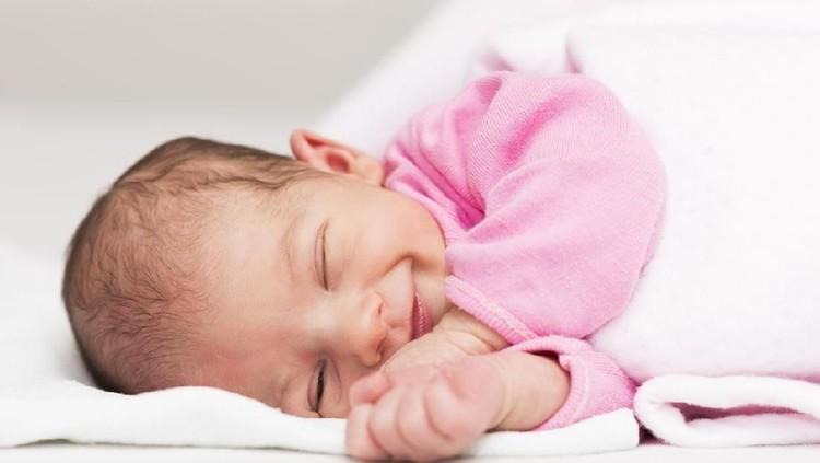 Jika menginginkan nama bayi perempuan bermakna sederhana, intip daftar nama bayi berikut ya, Bun.