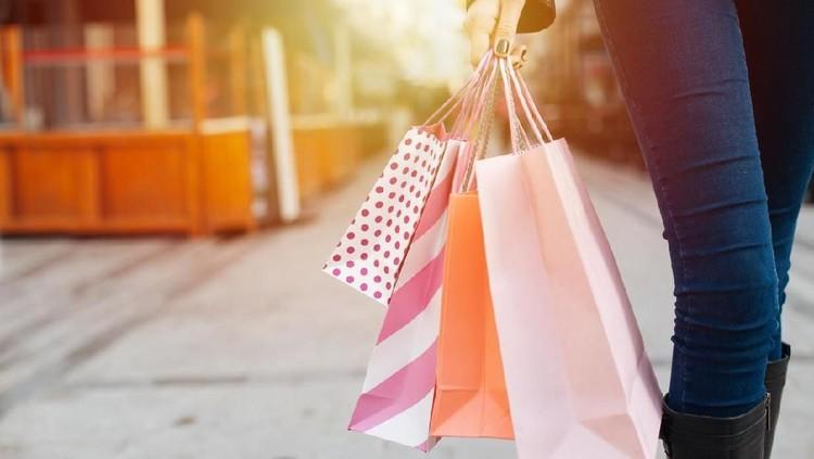 Kehadiran bisnis jastip saat ini bisa saja bikin lebih banyak barang impor. Bagaimana dengan barang ekspor? Bisakah lebih eksis di kancah internasional?