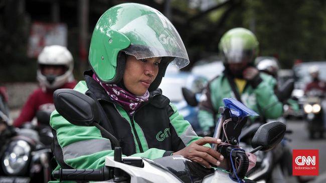 Grab dan Gojek mengaku pihaknya turut dirugikan lantara mitra pengemudi kesulitan menerima pesanan.