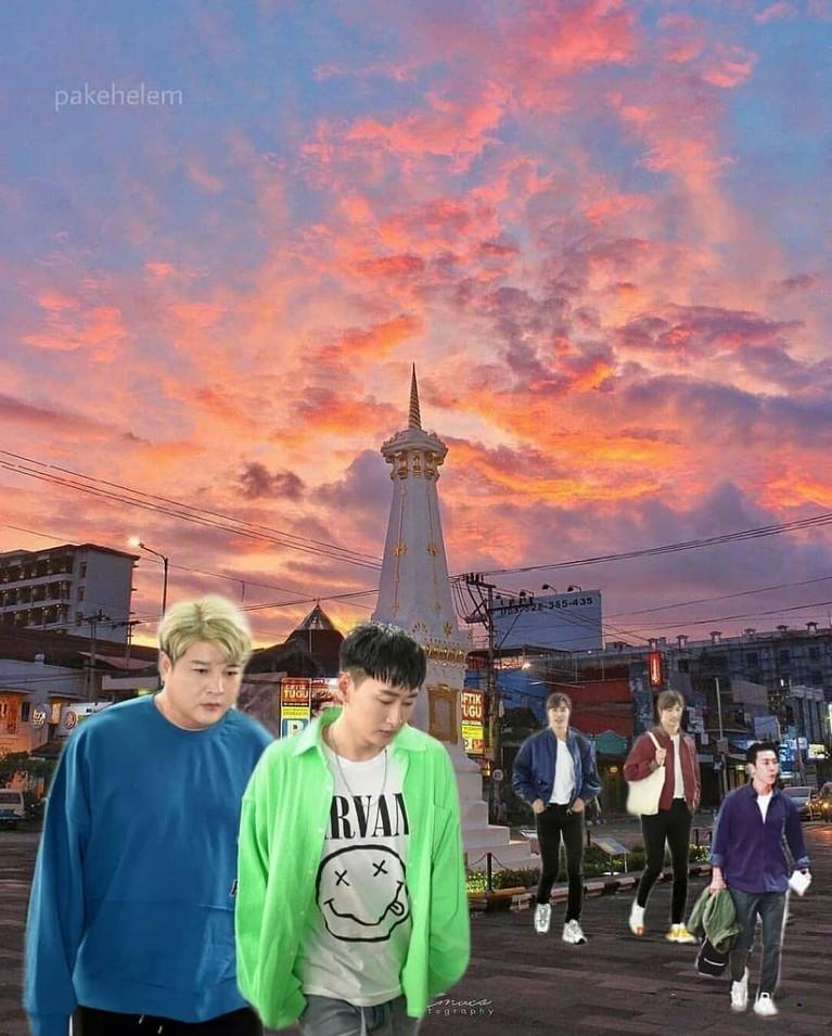 Meme terakhir yang menghiasi laman media sosial adalah ketika para personel Super Junior dan TVXQ berjalan-jalan ke tugu Yogyakarta.
