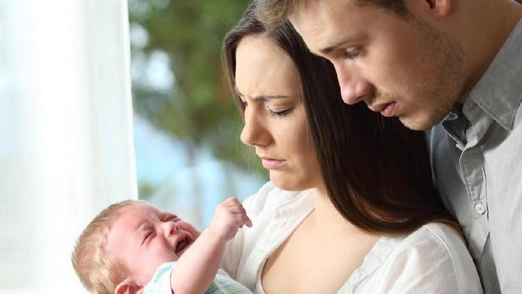 Tangisan Bayi Pengaruhi Kadar Hormon Testosteron Bunda & Ayah